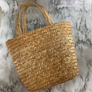 Handbags - Straw weave basket purse/small tote